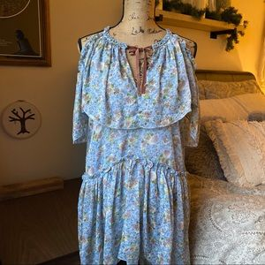 Dresses & Skirts - Blue Ditsy Floral Print Boho Dress Size Small